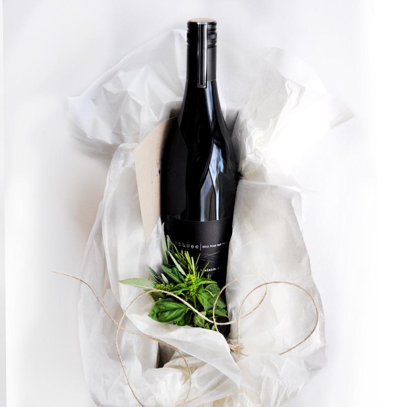 2012 ess&see Pinot Noir